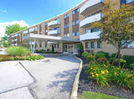 Camelot Apartments - Parma Heights