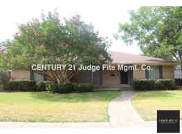 Well Maintained 4/2.5/2 Ready For Move-In! - Dallas