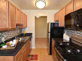 Montgomery Trace Apartment Homes - Silver Spring
