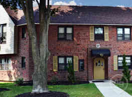 Tall Trees Village Apartments - Drexel Hill