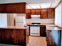 Creekside Apartments - Fresno