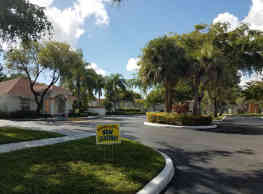 Golf Villas Square - Tamarac