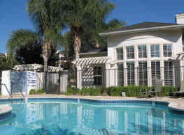 Bellecour Way Apartment Homes - Lake Forest