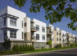 Five Points Apartments - Auburn Hills