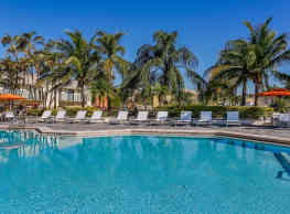 Four Quarters Apartments and Townhomes - Miami