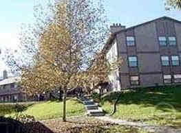 Raintree Apartments - Topeka
