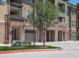 The Bridge at Heritage Creekside Townhomes - Plano