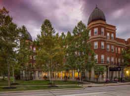 Easton Commons - Columbus