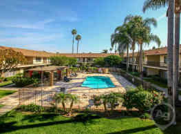 La Paz Apartments - Fountain Valley