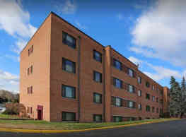 Earle Manor Apartments - Wheaton