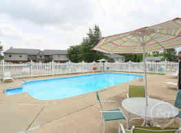 Seven Oaks Apartments - Henderson