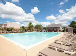 2500 Central Park Student Townhomes - College Station