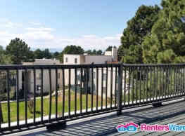 Move in TODAY! 2 BR, 1 BA Penthouse - Utilities... - Denver