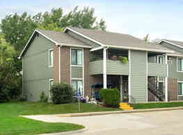 Country Hill Apartments - Cedar Rapids