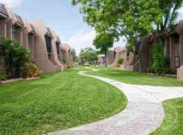 Courtyards At Miami Lakes - Miami Lakes