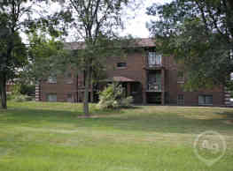 Westgate Apartments - Cedar Rapids
