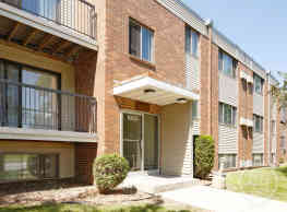 Stoneview Apartments - Moorhead