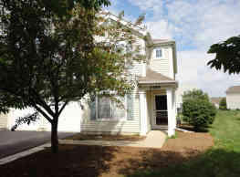This 2 bedroom, 1.5 bath provides approximately 1, - Montgomery