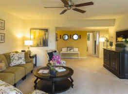 Bay Hills Apartments - Arnold