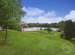 Park Lake Apartments - Louisville