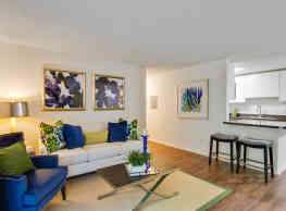 Grove Parkview Apartment Homes - Stone Mountain