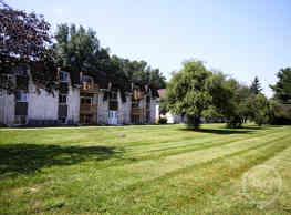 Five Points Courtyard Apartments - Toledo