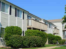 Westpointe Apartments and Townhomes - Urbandale