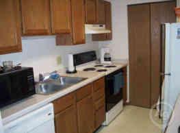 Parkside Apartments / Grace Manor Apartments - Oconomowoc