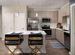 Solaya Luxury Apartments - Orlando