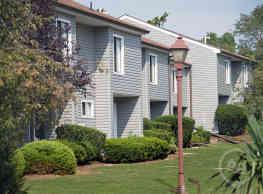 Forest Glen Apartments - Highland Park