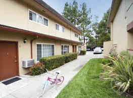 Lincoln Glen Apartments - Fremont