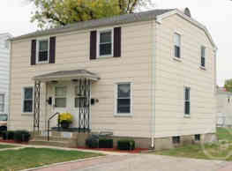 Poplar Place Townhomes - Springfield