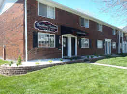 Shadeland Terrace Townhomes - Indianapolis