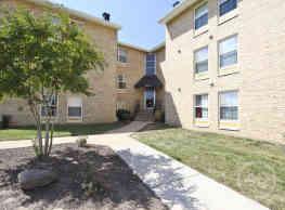 The Berkdale Apartments - Herndon
