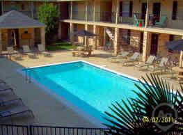 El Cid Apartments - Baton Rouge