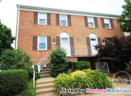 ***Immaculate, Updated End-Unit 3bd/2.5bth... - Centreville