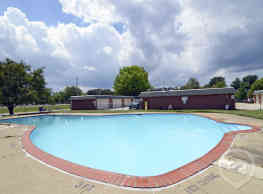 Jamestown Village Apartments - North Olmsted