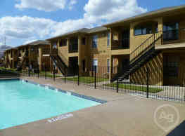 Balcones Apartments/Townhomes - College Station