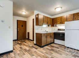 Summerset Apartments - Fargo