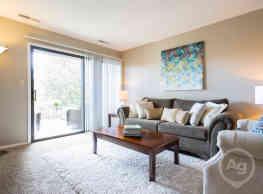 The Pines of Roanoke Apartments - Roanoke