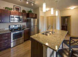 1505 Apartments - Grafton