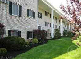 Arrowhead Court/Valley Brook Apartments - Aston
