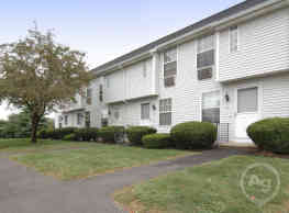 Cornfield Apartments - Ellington