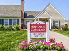 Windsor Commons Townhomes - Red Lion