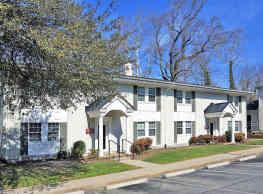 Quarterpath Place Apartments - Williamsburg