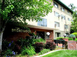 Broadmoor Apartments - Spokane