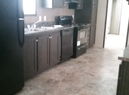 2 bedroom, 2 bath home available - Peoria
