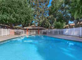 Hampshire Square Apartment Homes - Anaheim