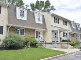 Klockner Woods & Crestwood Square Apartments - Hamilton
