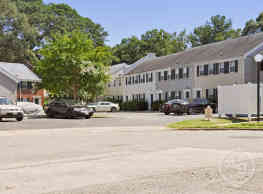 Hilton Village Townhomes - Newport News